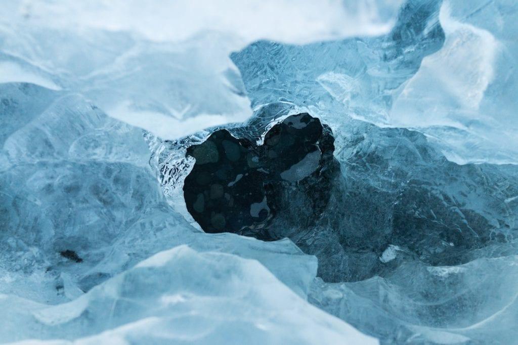 氷と水の構造〜水素結合・密度の違いなど〜